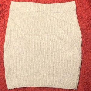 Grey knit miniskirt